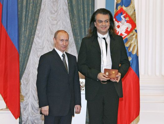 Путин поздравил Киркорова с 50-летием