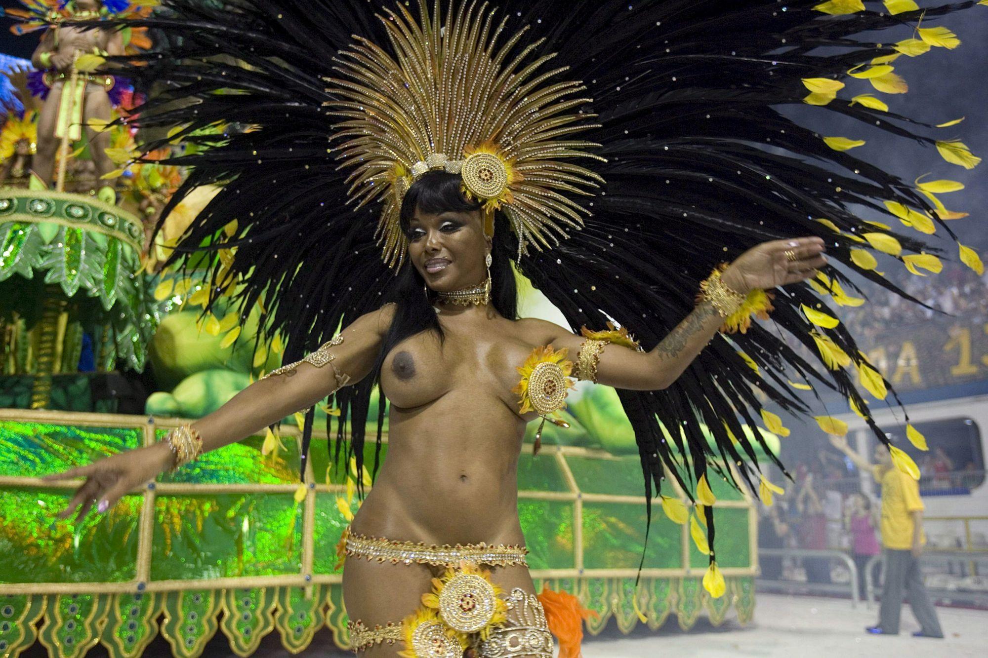 Порно видео карнавал в рио де жанейро найти
