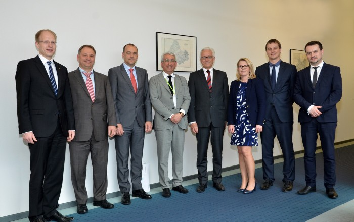 On the photo (from left to right): Wincor Nixdorf Financial Director (Indirect Sales) M. Steppeler, Head of Global Service Partner Management B. Wenderoth, Vice President Ch. Weisser, Chairman of the Board Penki Kontinentai I. Dadašovas, Wincor Nixdorf President & CEO E. Heidloff, Sales Manager (Eastern Europe & Central Asia) A. Pankraz, BS/2 Sales Department Manager P. Bučelis and BS/2 Regional Sales Manager K. Šišla